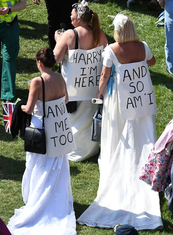 Goście przybywają na ceremonię ślubną księcia Harry'ego i Meghan Markle - Sputnik Polska
