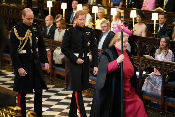 Książęta Harry i William przybywają do kaplicy Św. Jerzego - Sputnik Polska