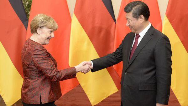 Kanclerz Niemiec Angela Merkel i prezydent Chin Xi Jinping w Pekinie - Sputnik Polska