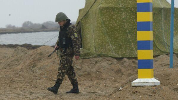Ukraińska straż graniczna na granicy ukraińsko-rosyjskiej w pobliżu Morza Azowskiego - Sputnik Polska