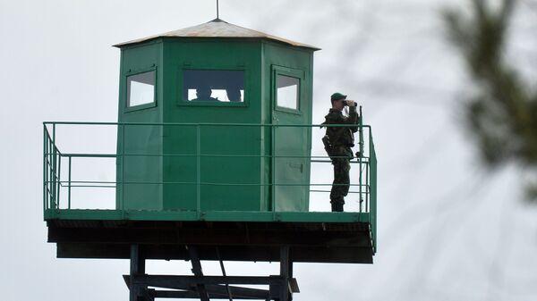 Wieża obserwacyjna na białoruskiej granicy - Sputnik Polska
