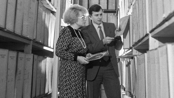 Pracownicy KGB w archiwum - Sputnik Polska
