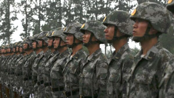 Żołnierze chińskiej armii na ćwiczeniach wojskowych - Sputnik Polska