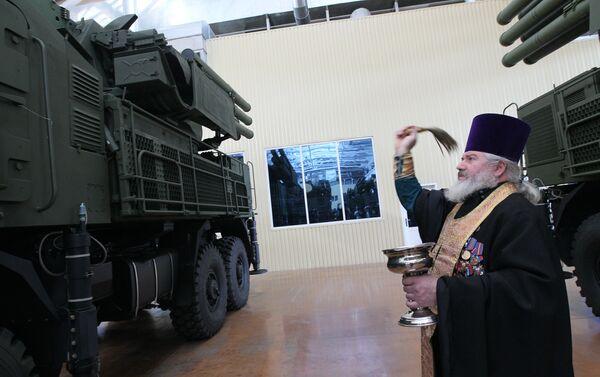 Kapłan święci 10 nowych systemów rakietowych Pancyr-S1 - Sputnik Polska