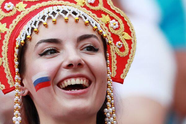 Rosjanka w kokoszniku na meczu Rpsja - Hiszpania - Sputnik Polska