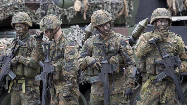 Żołnierze niemieckiej Bundeswehry podczas ćwiczeń wojskowych NATO w Wilnie - Sputnik Polska