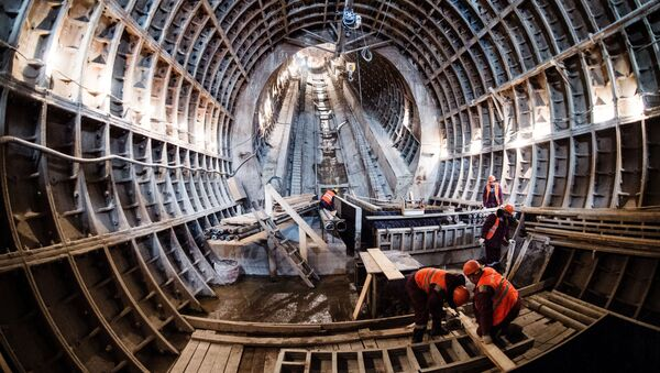 Robotnicy w czasie budowy stacji Fonwizińska linii lublińsko-dmitrowskiej moskiewskiego metra - Sputnik Polska