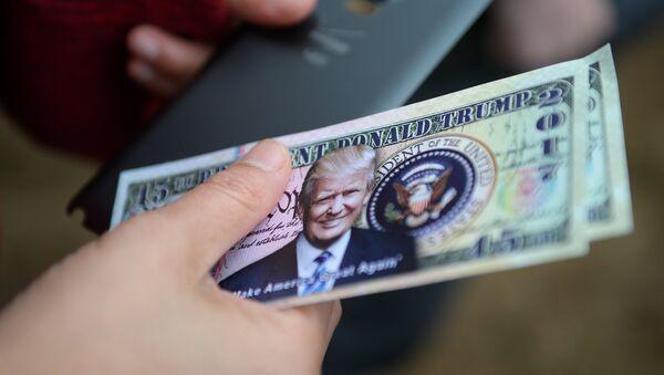 Dolar z wizerunkiem Trumpa - Sputnik Polska