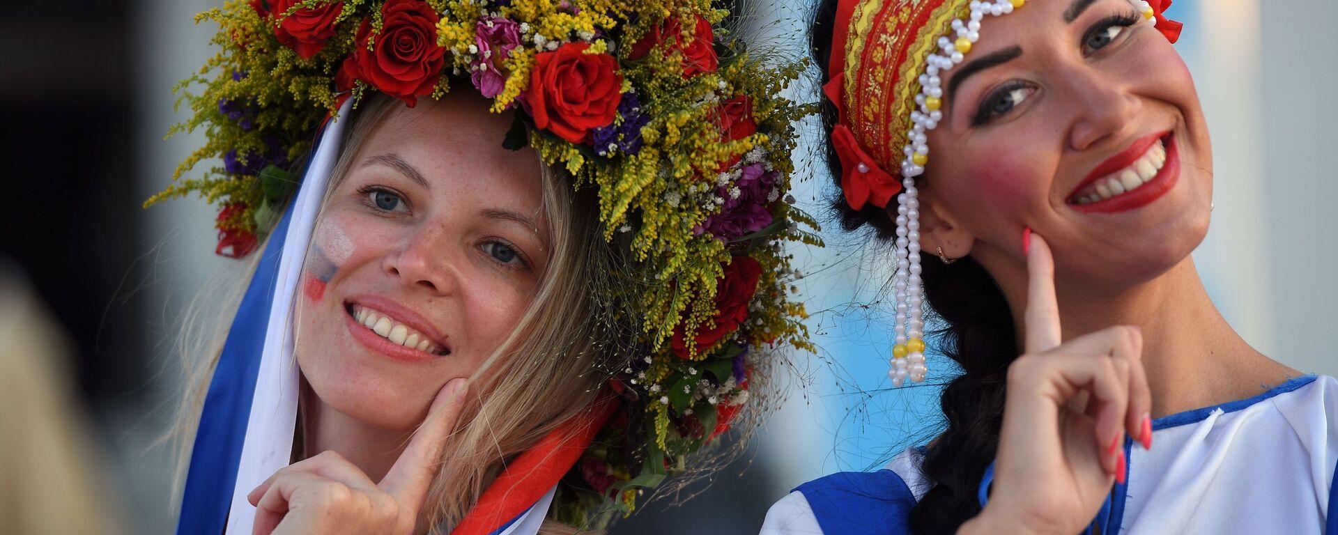 Kibice reprezentacji Rosji przed rozpoczęciem meczu ćwierćfinału mistrzostw świata w piłce nożnej między reprezentacją Rosji i Chorwacji  - Sputnik Polska, 1920, 27.09.2019