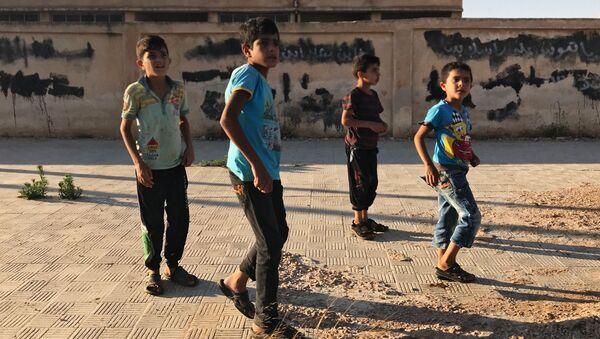 Dzieci w syryjskiej prowincji Dara - Sputnik Polska