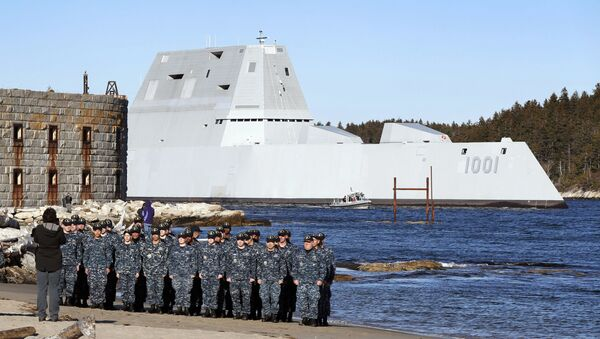 Amerykański niszczyciel USS Michael Monsoor i jego załoga - Sputnik Polska