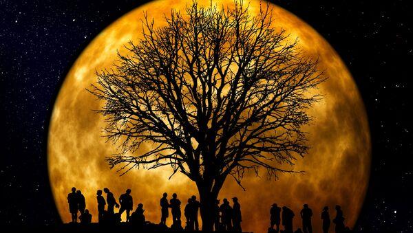 Księżyc - Sputnik Polska
