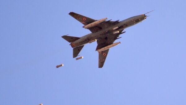 Samolot Suchoj Sił Powietrznych Syrii - Sputnik Polska