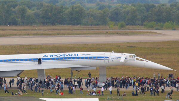 Naddźwiękowy samolot Tu-144 - Sputnik Polska