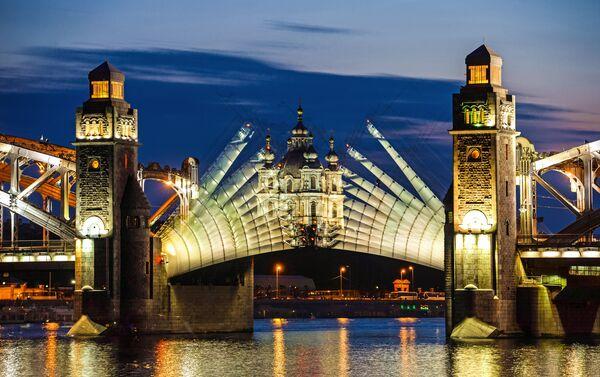 Otwarcie mostu Bolszeochtinskiego o drugiej w nocy - Sputnik Polska