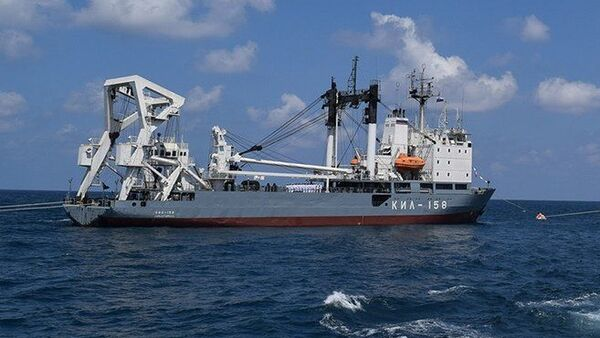 Defilada rosyjskich okrętów na redzie w syryjskim porcie Tartus - Sputnik Polska