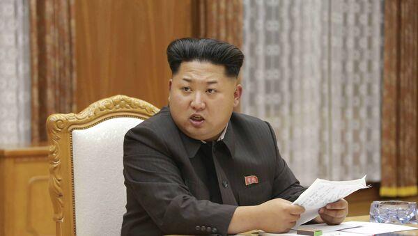 Przywódca Korei Północnej Kim Dzong Un на pilnej naradzie centralnej Komisji Wojskowej Partii Pracy Korei - Sputnik Polska