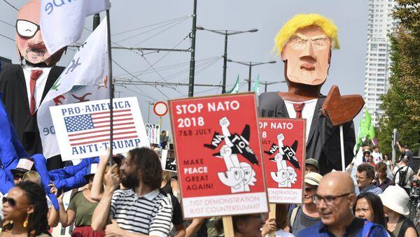 Protesty przeciwko Trumpowi w Brukseli - Sputnik Polska