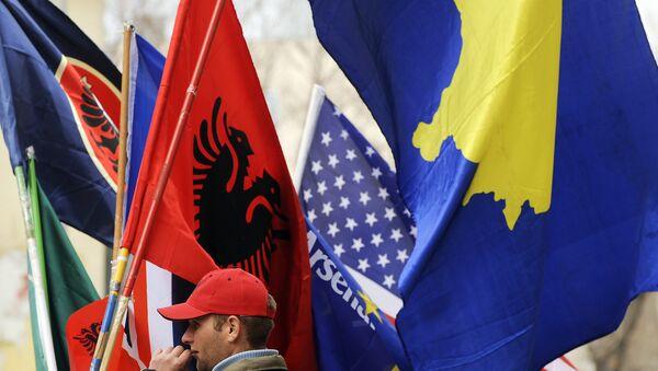 Sprzedawca flag, Prisztina - Sputnik Polska