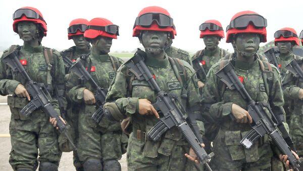 Tajwańskie żołnierki w bazie Hsinchu - Sputnik Polska
