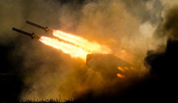 System artylerii rakietowej TOS-1a. Forum wojskowe Armia 2018 pod Moskwą - Sputnik Polska