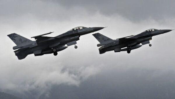 Myśliwce F-16 - Sputnik Polska