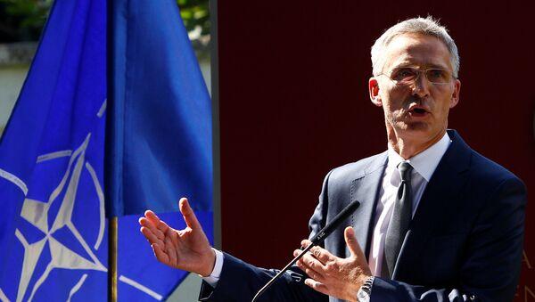 Sekretarz generalny NATO Jens Stoltenberg w Skopje, Macedonia - Sputnik Polska