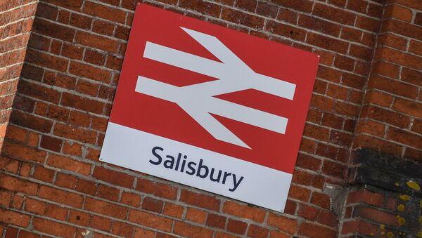 Tabliczka miasta Salisbury w Wielkiej Brytanii, gdzie Siergiej Skripal i jego córka zostali otruci - Sputnik Polska