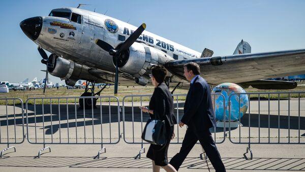 Amerykański samolot pasażerski i transportowy w układzie dolnopłata DC-3 (Douglas Commercial 3) - Sputnik Polska