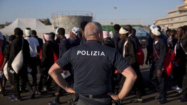 Migranci we Włoszech - Sputnik Polska