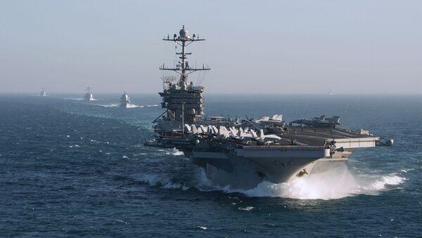 Grupa lotniskowa Marynarki Wojennej USA z lotniskowcem Harry Truman na czele. Zdjęcie archiwalne - Sputnik Polska