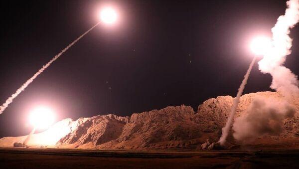 Atak rakietowy na pozycje terrorystów zakazanej w Rosji organizacji Daesh z Iranu - Sputnik Polska