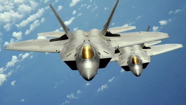 Niszczyciele F-22 Raptor w technologii stealth - Sputnik Polska