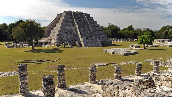 Mayapan. Świątynia Kukulkana na półwyspie Jukatan. Zdjęcie archiwalne - Sputnik Polska