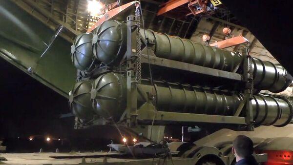 Rakietowe systemy przeciwlotnicze i przeciwbalistyczne przewiezione do Syrii samolotem An-124-100 Ministerstwa Obrony Rosji - Sputnik Polska