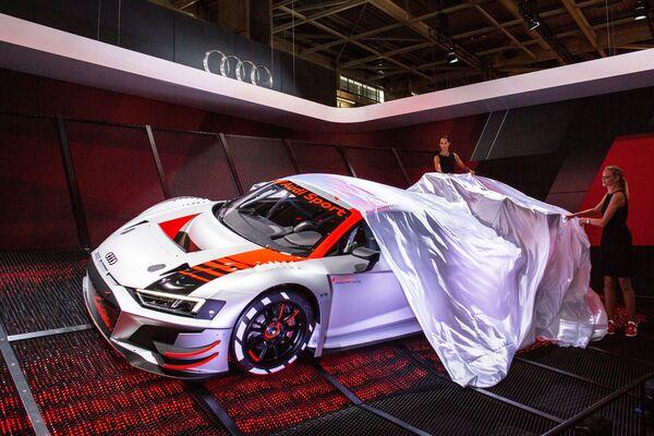 Nowy model Audi Sport na wystawie motoryzacyjnej Mondial de l'Automobile w Paryżu - Sputnik Polska