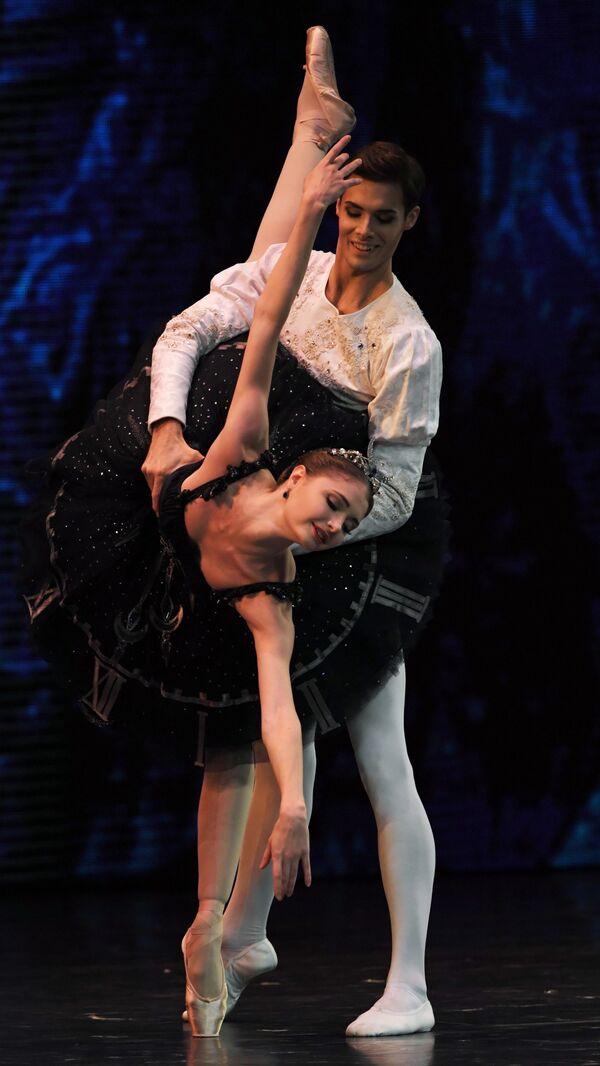 Soliści Teatru Wielkiego podczas koncertu galowego w Państwowym Pałacu Kremlowskim Gwiazdy baletu XXI wieku - Sputnik Polska