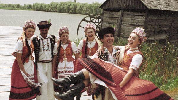 Grupa taneczna z Zakarpacia, zdjęcie archiwalne - Sputnik Polska