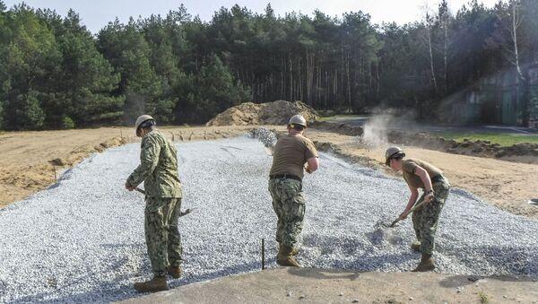 Korpus inżynieryjny armii USA w bazie lotniczej Powidz w Polsce - Sputnik Polska