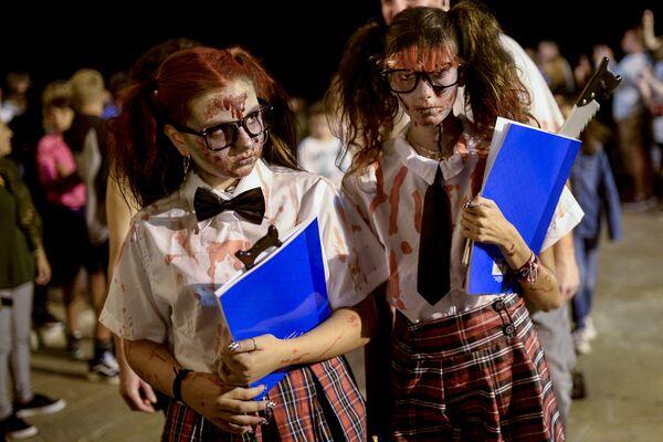 Uczestnicy Zombie Walk w Sitges, Hiszpania - Sputnik Polska