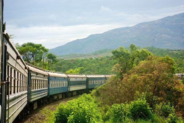 Trasa kolejowa Tazara łącząca Tanzanię i Zambię na kontynencie afrykańskim - Sputnik Polska