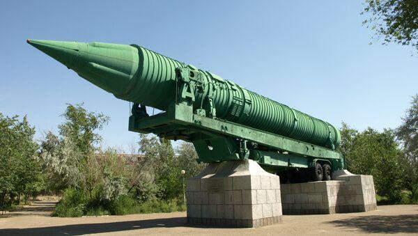 Międzykontynentalna rakieta balistyczna MR-UR-100 w mieście Bajkonur - Sputnik Polska