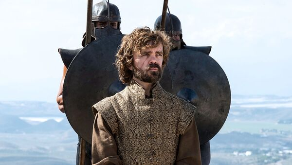 "Aktor Peter Dinklage w postaci Tyriona Lannistera w serialu ""Gra o tron"" - Sputnik Polska"