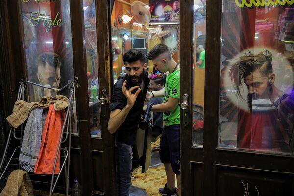 Salon fryzjerski w Damaszku - Sputnik Polska