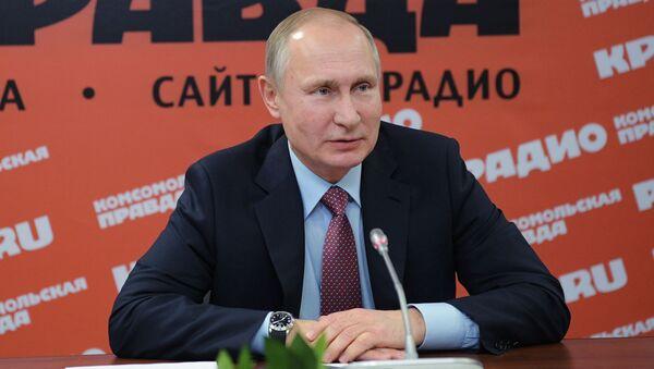 Prezydent Rosji Władimir Putin na spotkaniu z dyrektorami mediów drukowanych i agencji informacyjnych w redakcji gazety Komsomolska prawda - Sputnik Polska