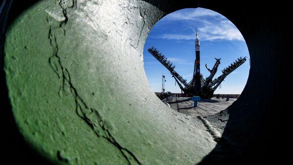 Rakieta nośna Sojuz-FG ze statkiem załogowym Sojusz MS-10 na kosmodromie Bajkonur - Sputnik Polska