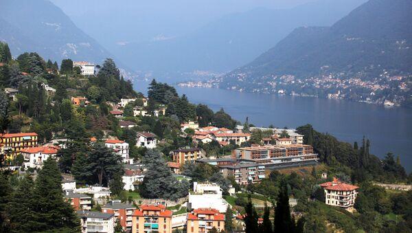 Widok na miasto Como i jezioro Como we włoskiej Lombardii - Sputnik Polska