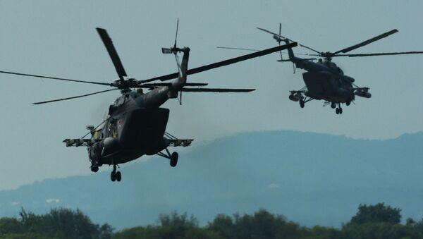 Śmigłowce Mi-8 AMTSz podczas ćwiczeń - Sputnik Polska