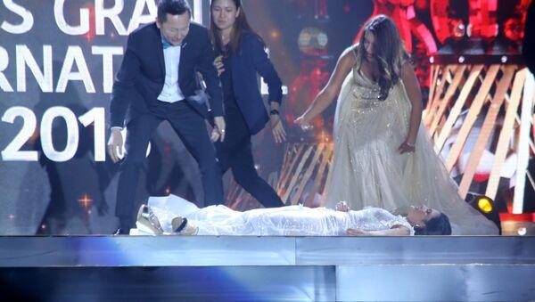 Zwyciężczyni konkursu piękności zemdlała na scenie - Sputnik Polska