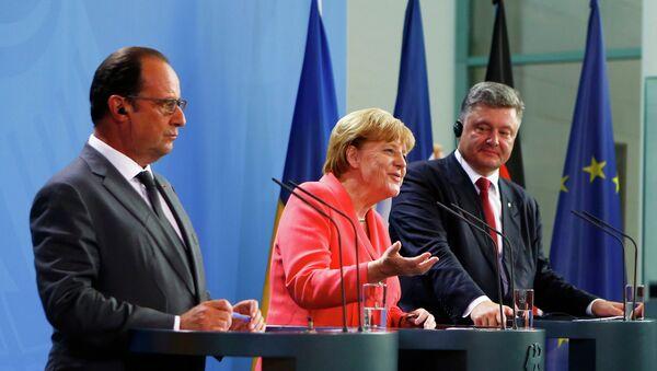Angela Merkel, Francois Hollande i Petro Poroszenko - Sputnik Polska